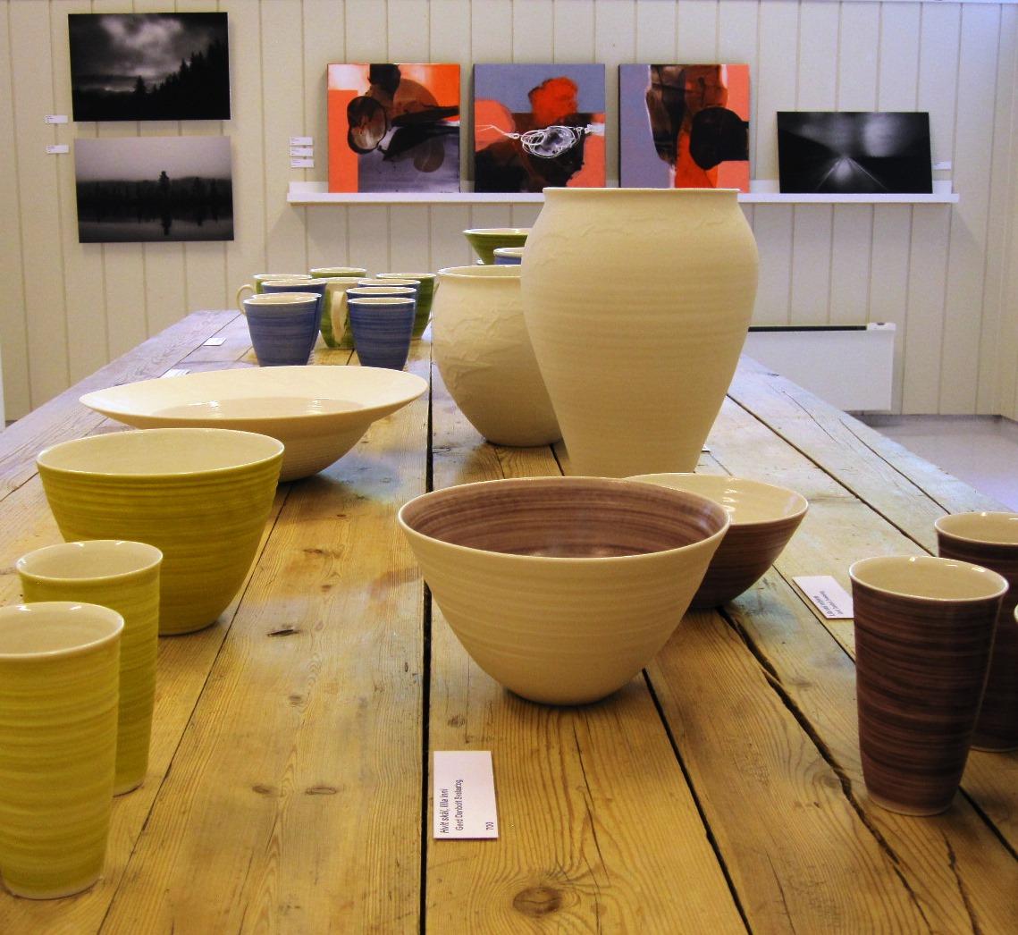 Keramikk Gerd Danbolt Svalastog, Vestvendt I-III Stig Andresen, Foto Dag Jensen