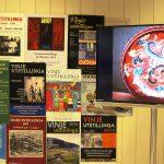 . . . opningsprogram, frå rigging og frå nedtaking av utstillingar.